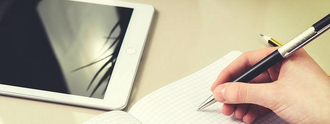 Escribir-y-ipad cómo hacer una entrevista de trabajo